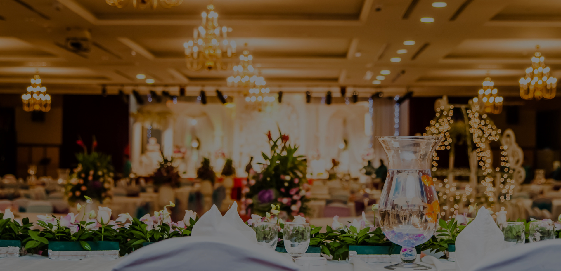Event reception with luxurious theme